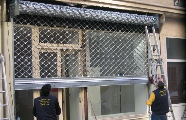 installation rideau métallique à Paris