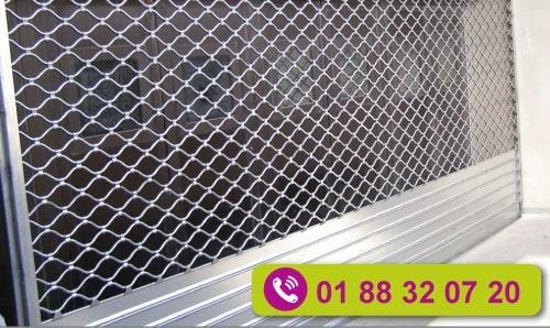 Les rideaux métalliques à tubes ondulés